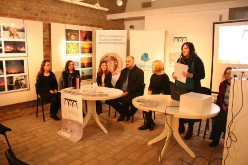 tiskovna konferencija galerokaz (2)